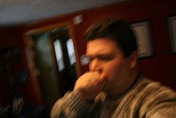 Hoste med slim kan være generende